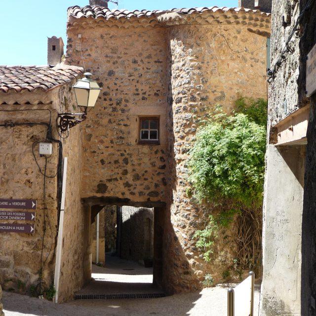 Ruelles de Villecroze-les-Grottes